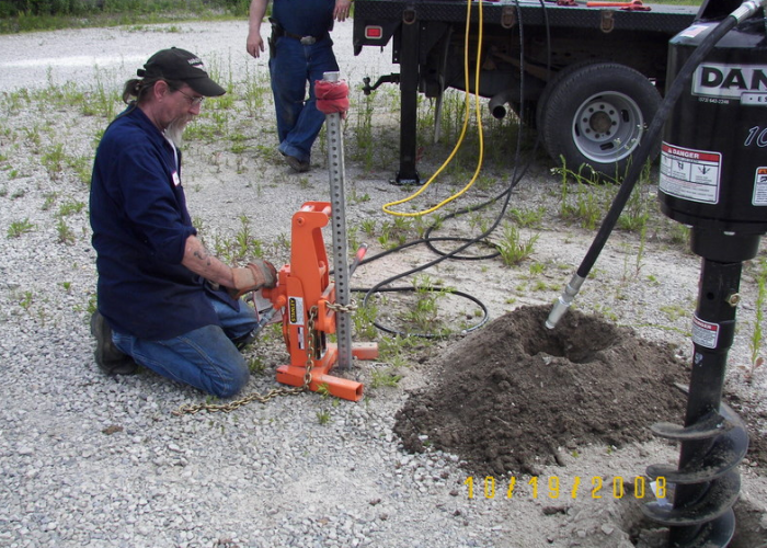 Truck Mounted Hydraulic Post Puller : Slideshow equipment that works